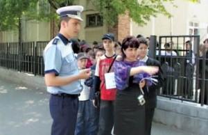 politist scoala