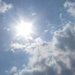 cer partial acoperit de nori