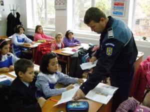 politisti scoala 2
